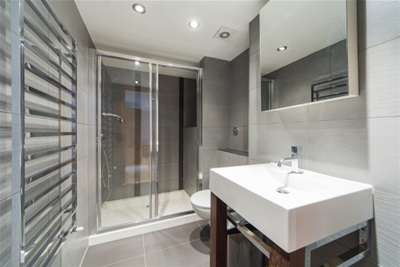 2 bedroom flat to rent inverness terrace w london w2 3jl for 18 leinster terrace london w2 3et