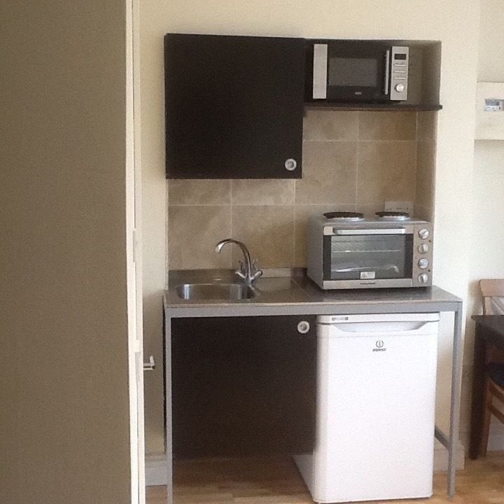 Light Shop Harrow Road: Studio Flat To Rent, Watkins House, Woodlands Road, Harrow