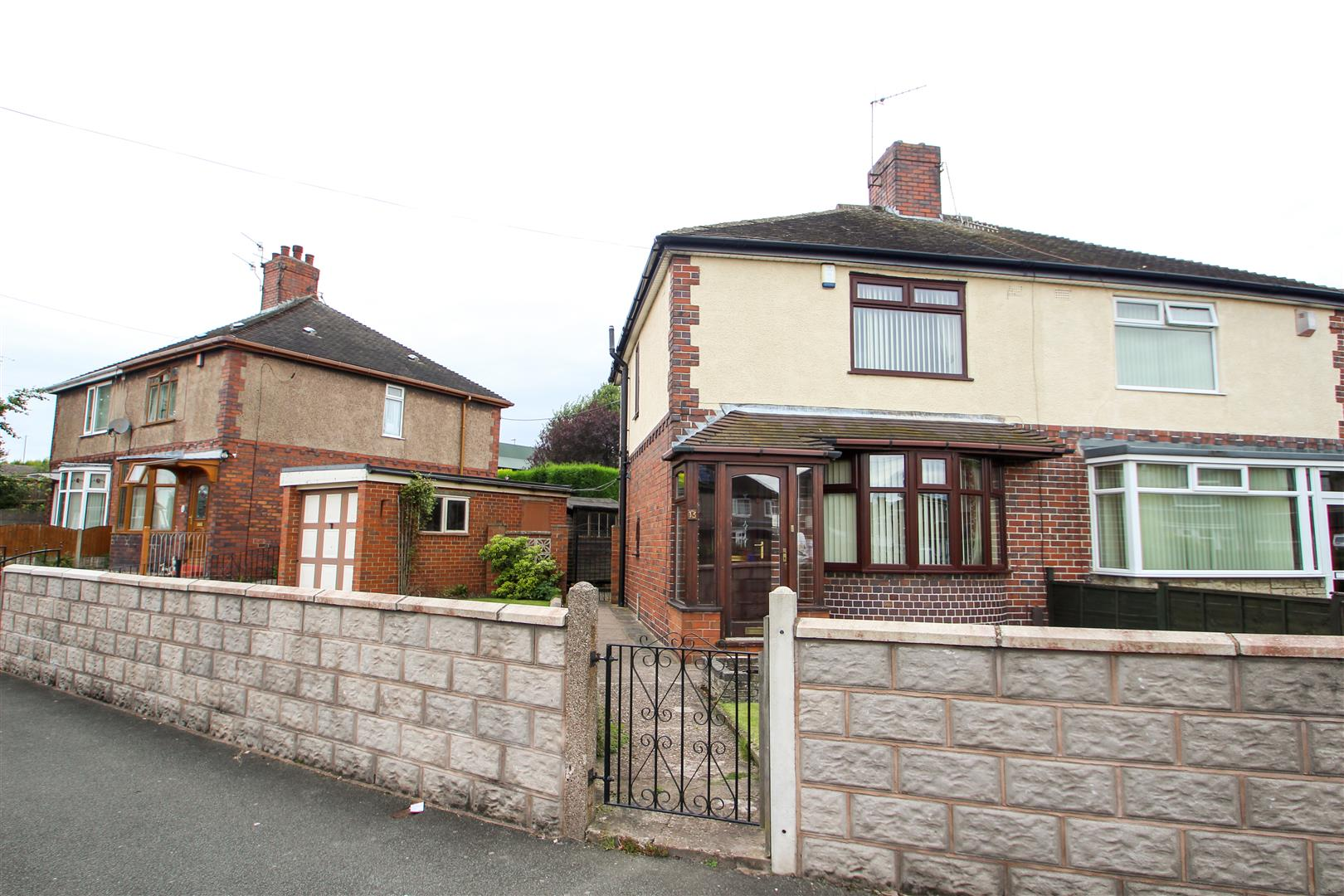 2 Bedroom Semi Detached House For Sale Shelford Road