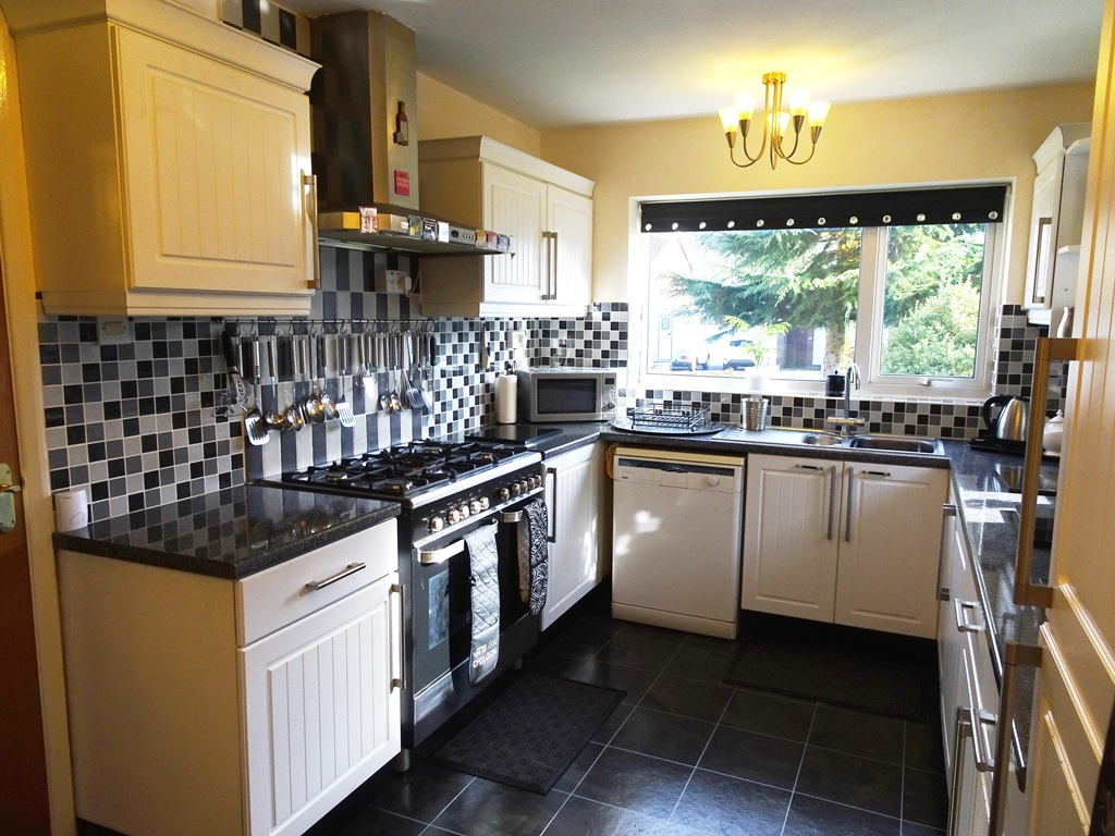 4 Bedroom Accessible Detached House For Sale Halifax