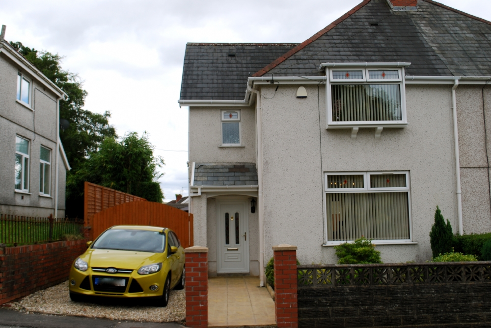 3 Bedroom Semi Detached House For Sale Carlton Road