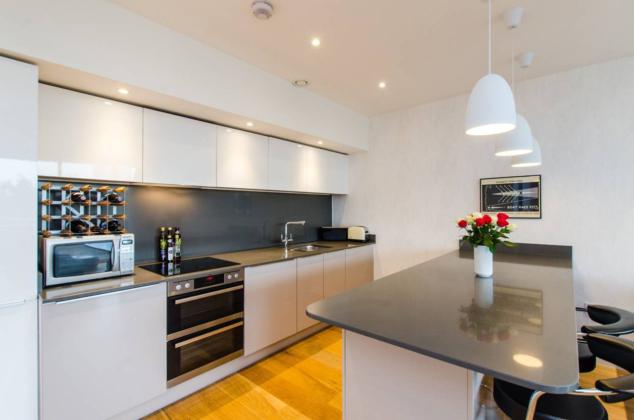 3 bedroom flat for sale colonial drive chiswick w w4 for W 4 bathrooms chiswick