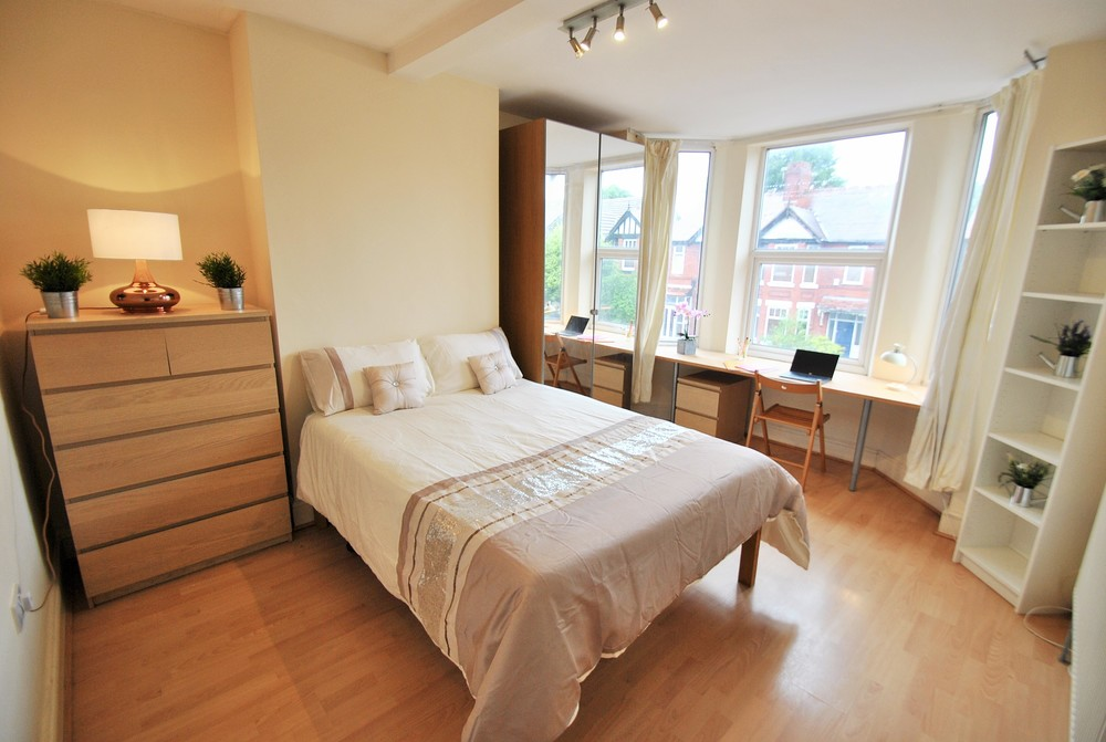 Bed Room House To Let Burnage Lane Manchester