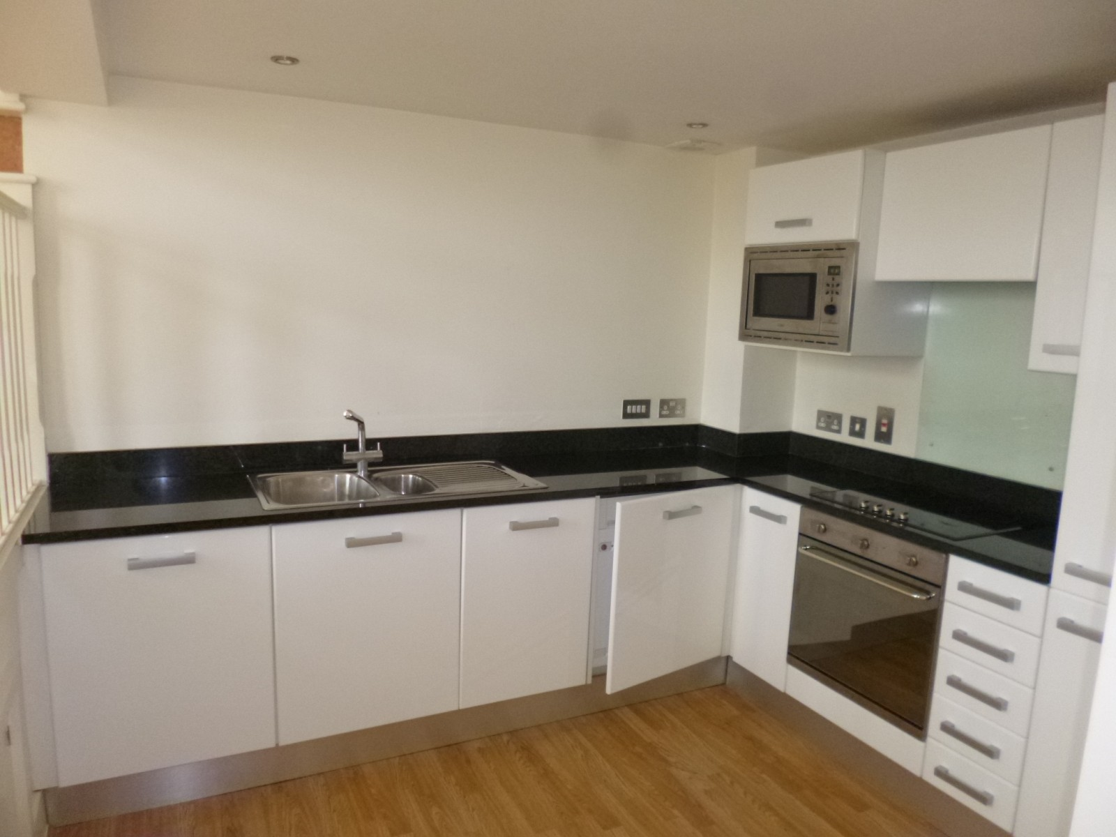 There A Standard High Gloss White For Kitchen