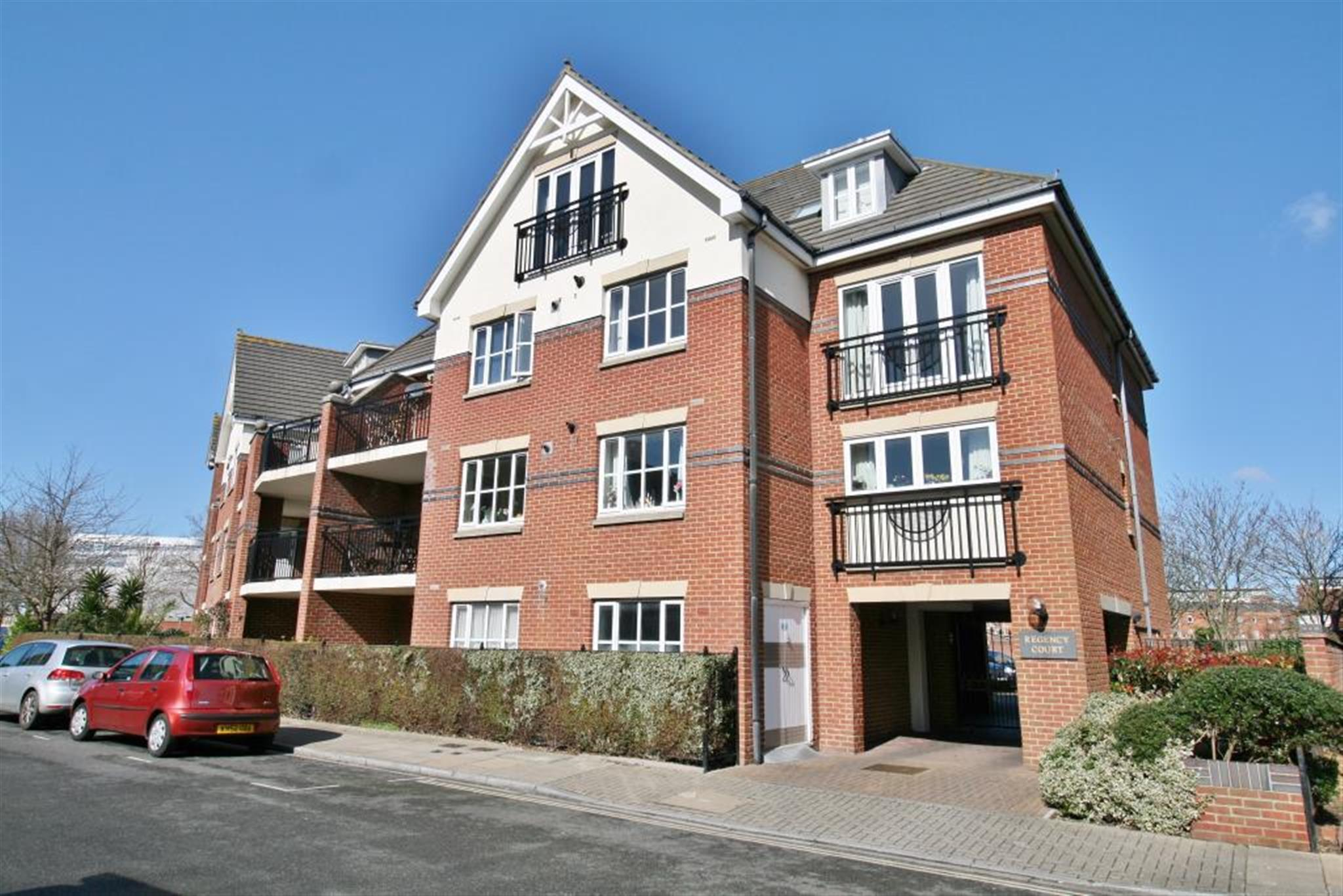 2 bedroom house for rent portsmouth 2 bedroom house to rent in trowlock island teddington tw11 On 2 bedroom house for rent portsmouth