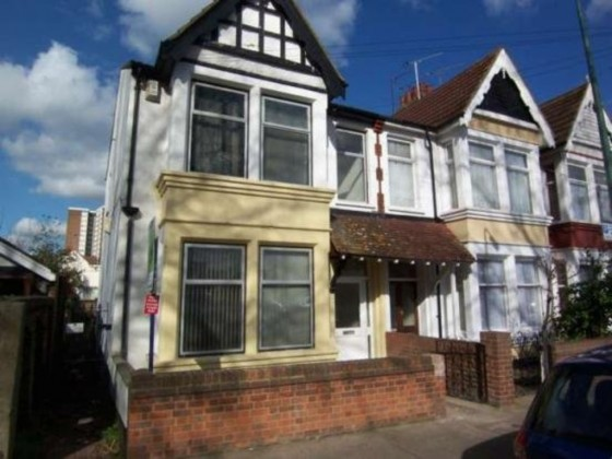 2 Bedroom Ground Floor Flat To Rent Warrior Square Southend On Sea Ss1 2jj
