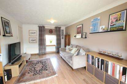 3 bedroom terraced house for sale moorburn place paisley for 669 collingwood terrace glenmoore pa