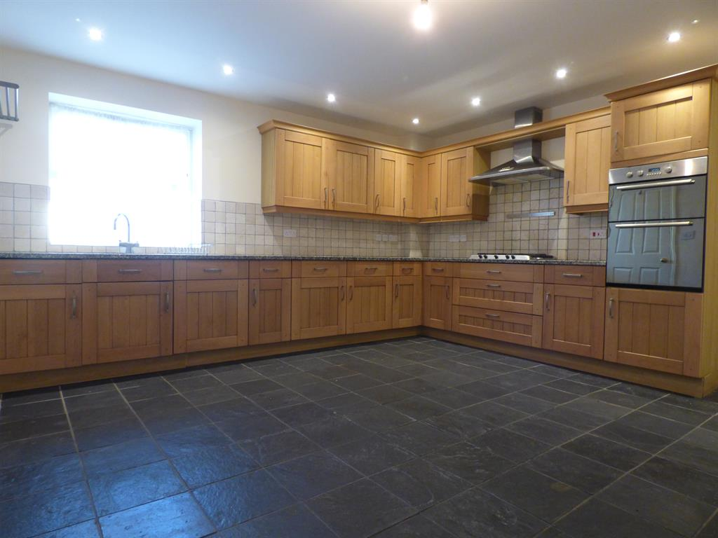 6 bedroom barn conversion to rent pear tree close for Cucina moderna halifax closing