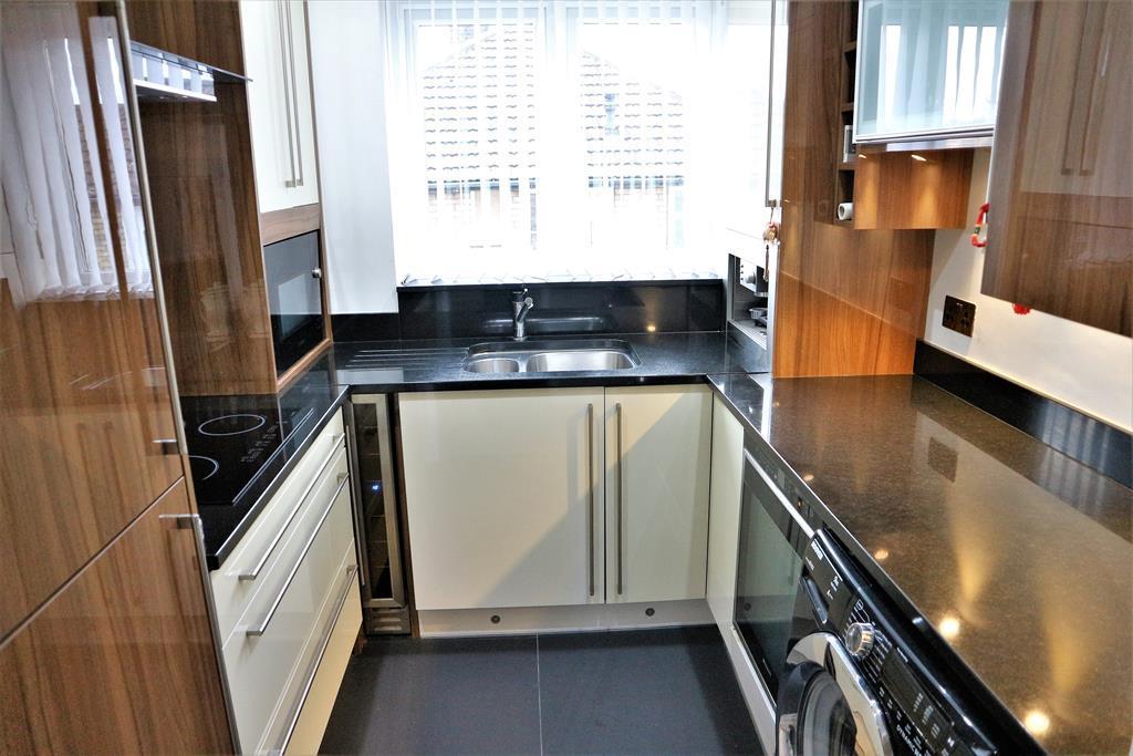3 Bedroom Maisonette For Sale Pinnacle Hill Bexleyheath