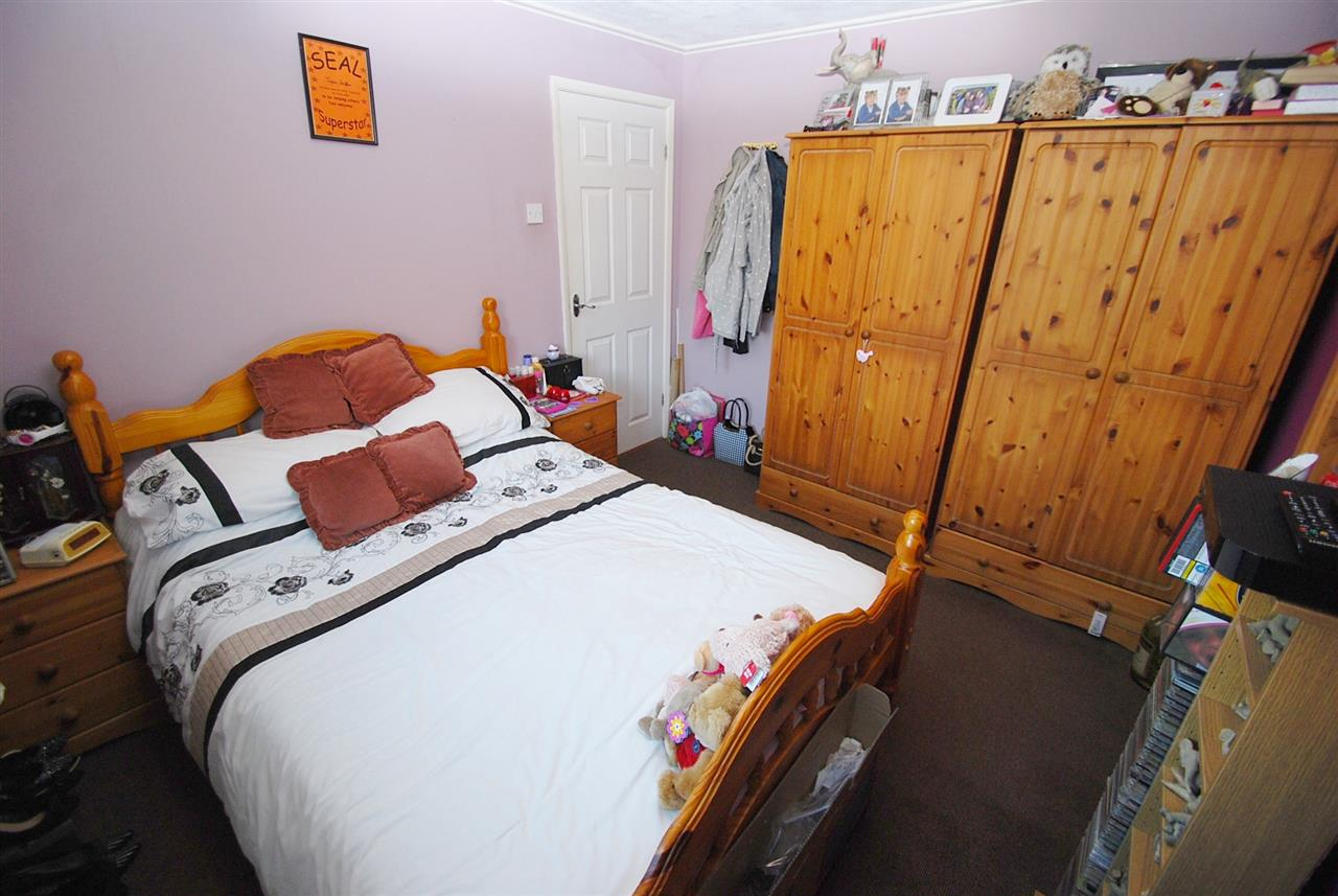 2 Bedroom Bungalow For Sale Biscay Close Skegness Pe