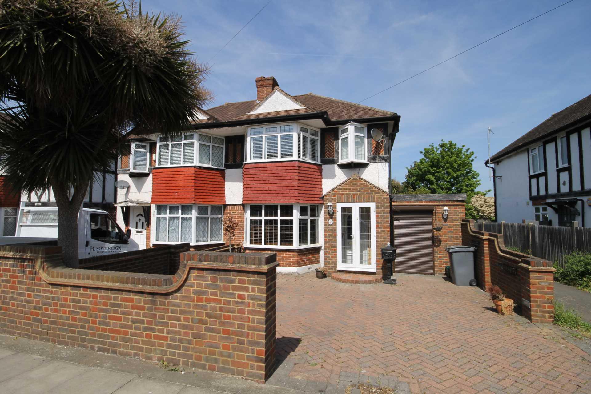 3 bedroom semi detached house for sale tudor drive for Morden houses for sale