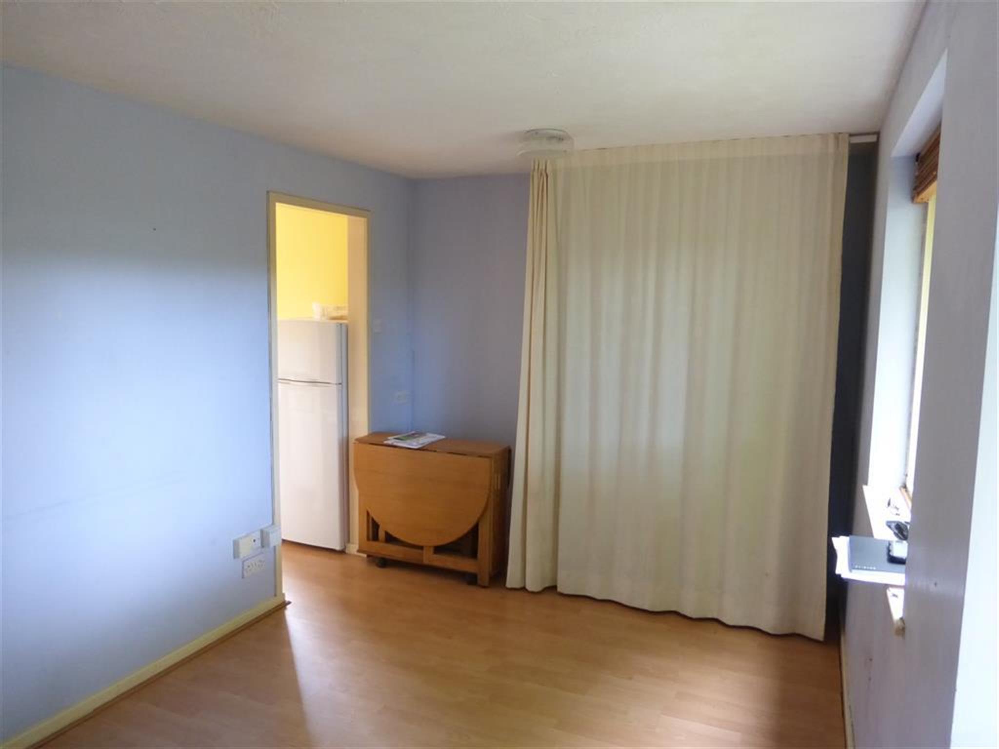 1 bedroom studio flat to rent martin rise sheffield s21. Black Bedroom Furniture Sets. Home Design Ideas