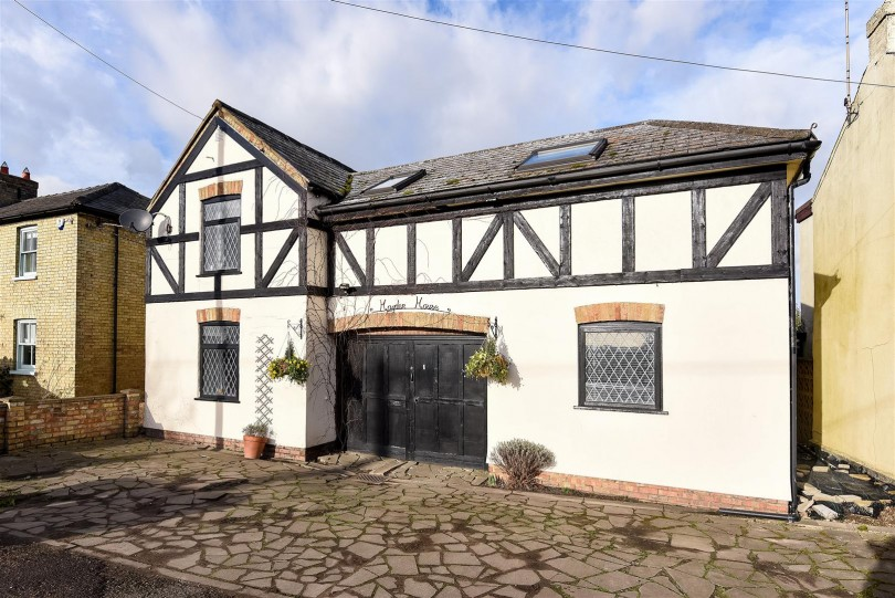 4 Bedroom Detached House For Sale High Street Pidley
