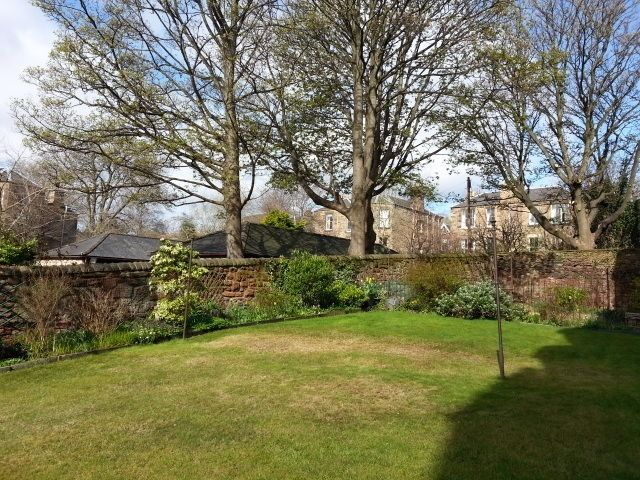 Flat to rent springvalley terrace edinburgh eh10 4qa for 55 buckstone terrace edinburgh