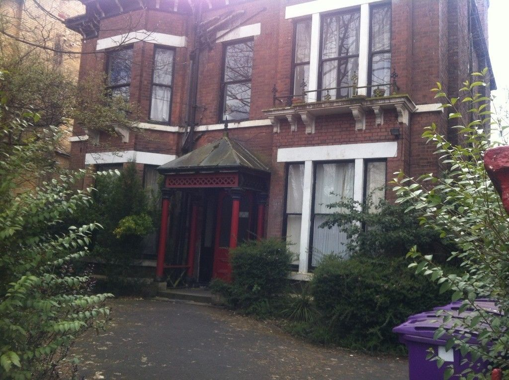 1 bedroom flat to rent linnet lane liverpool l17 3bq for Furniture 66 long lane liverpool