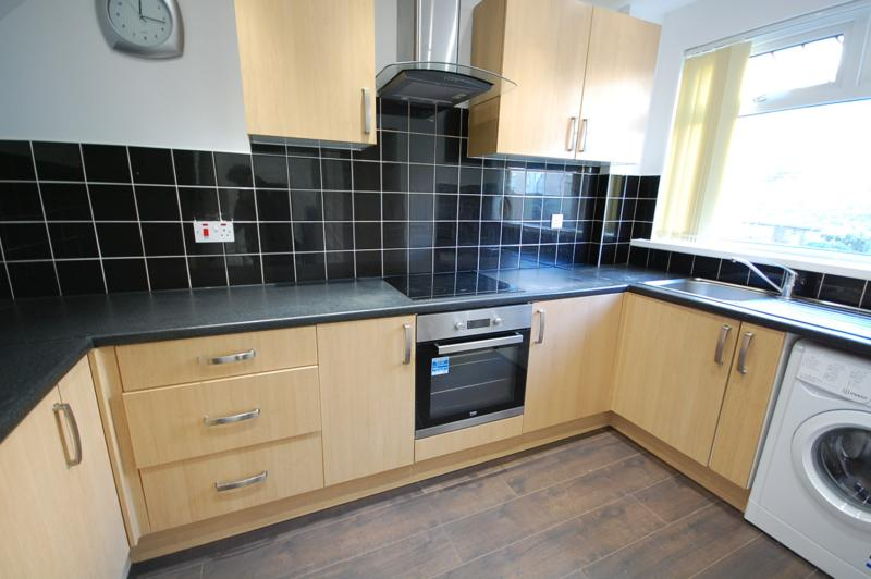 3 Bedroom Terraced House To Rent Ash Hill Drive