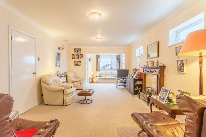 3 Bedroom House For Sale Cromwell Road Southend On Sea