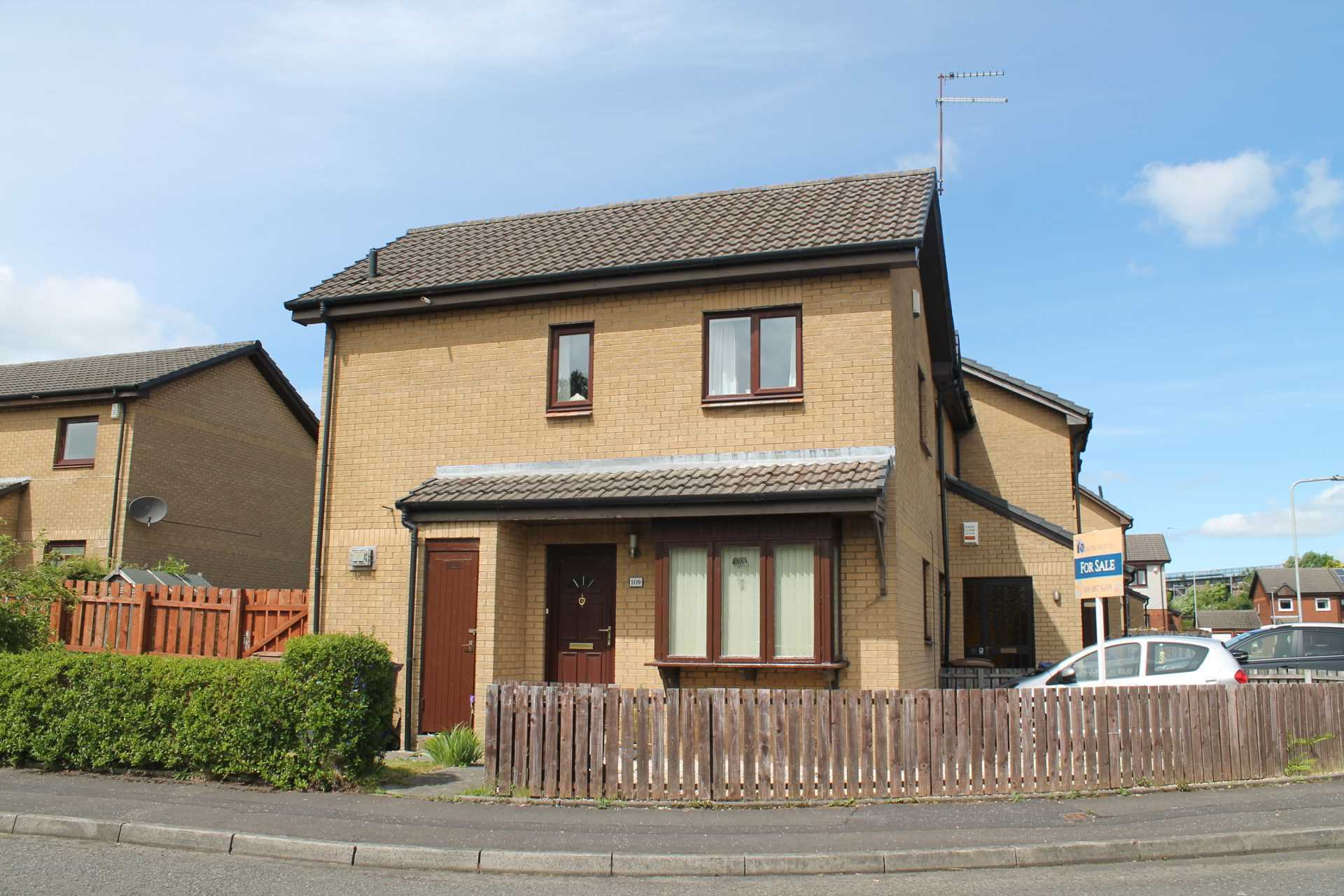 2 bedroom house for sale greenlaw crescent paisley pa1 for Paisley house