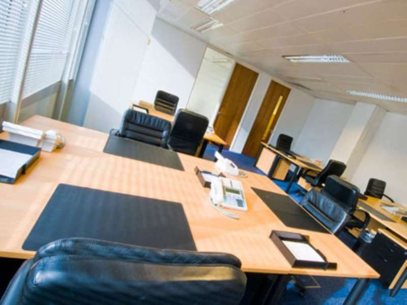 Serviced office to rent hammersmith road hammersmith w london w14 8th - Small office space london property ...