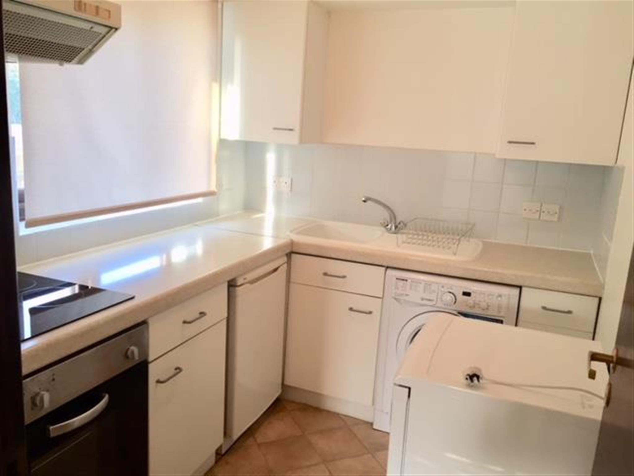 1 Bedroom Flat To Rent Drey Court The Avenue Worcester Park Kt4 7ew