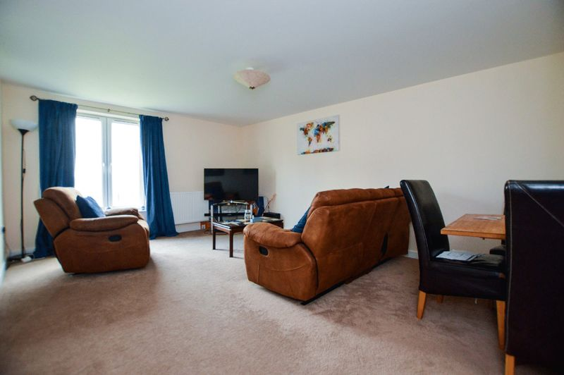 2 bedroom flat for sale wyndham park great mead yeovil for Bedroom furniture yeovil