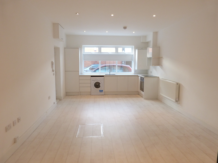 Newly Refurbished Property To Rent In Golders Green