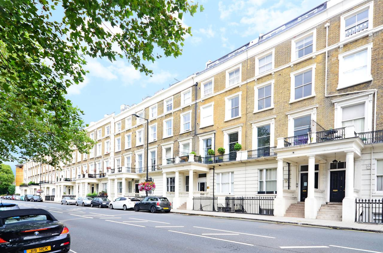 Gloucester terrace lancaster gate w2 1 bed flat w2 6hr for 14 devonshire terrace lancaster gate