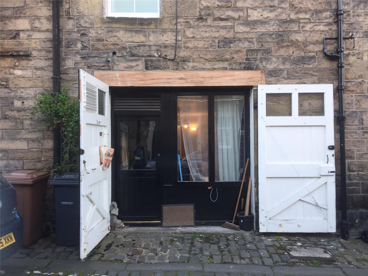 1 bedroom studio flat to rent dean park mews stockbridge. Black Bedroom Furniture Sets. Home Design Ideas