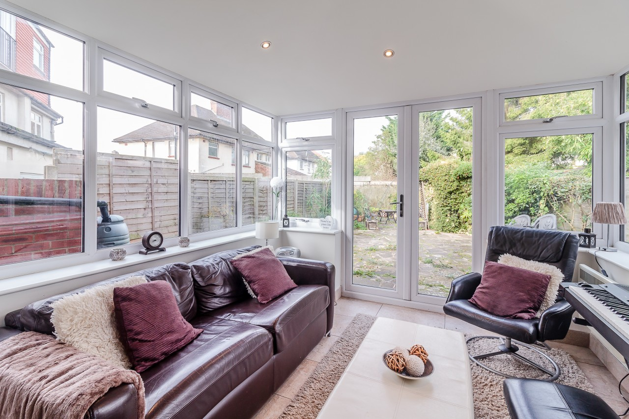 4 Bedroom Semi Detached House For Sale Brookfield Avenue London London Nw Nw7 2dd