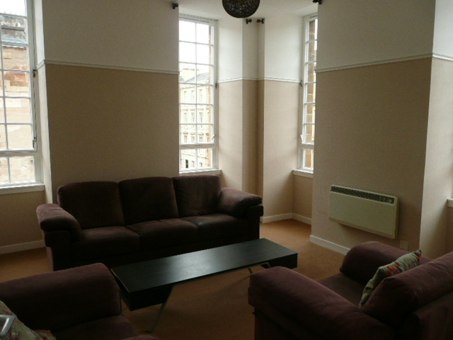 Is 747 A Good Credit Score >> 2 bedroom flat to rent, Kent Road, Charing Cross, Glasgow, G3 7BL