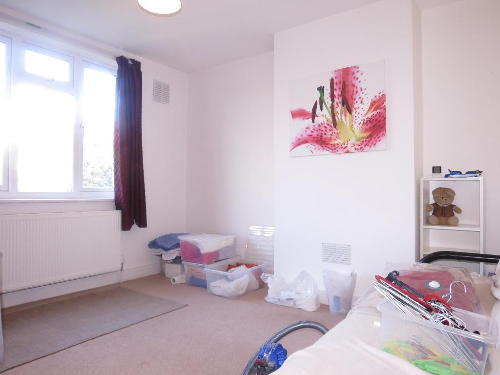 3 Bedroom House To Rent Fairway Raynes Park London Sw
