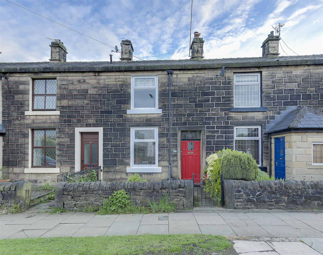 Garden Centre: 2 Bedroom Terraced House For Sale, Nuttall Lane, Bury
