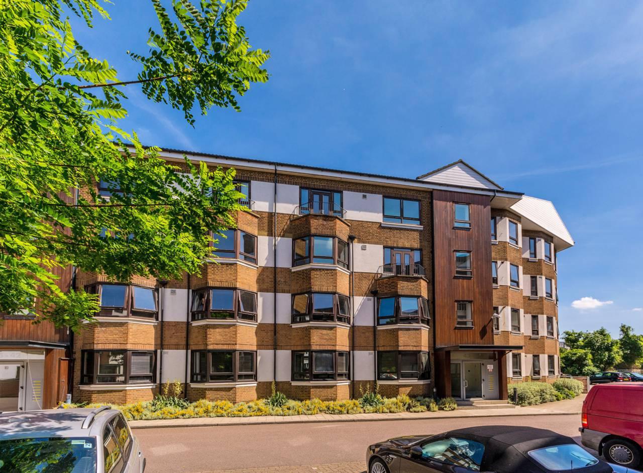 2 bedroom flat to rent kew bridge court chiswick w w4 3ae for W 4 bathrooms chiswick