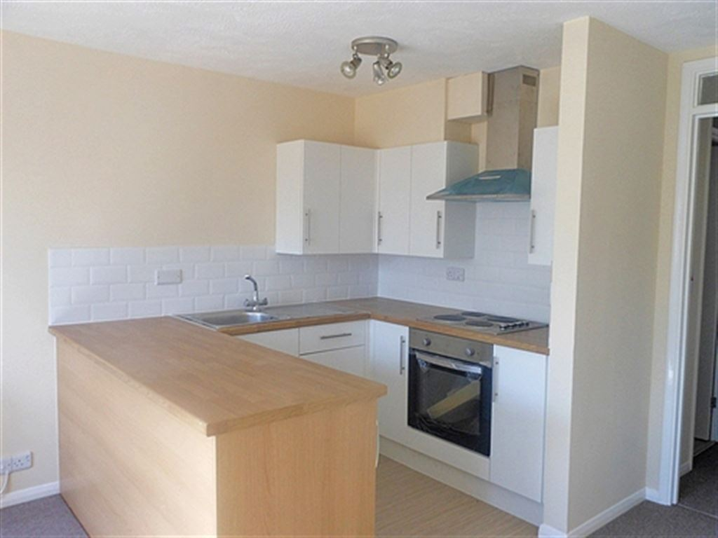 One Double Room For Rent In Horsham Rh